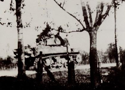 Tank op de Goudsberg - Foto: Archief Oud Lunteren