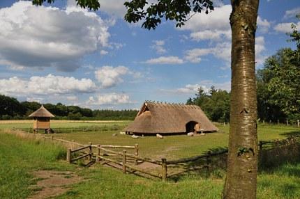 Boerderij en spieker bij de Lunterse raatakkers - foto: ©Fransien Fraanje