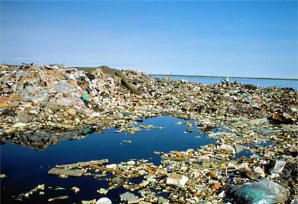 Naast het feit dat de oceanen vol zitten met plastic
