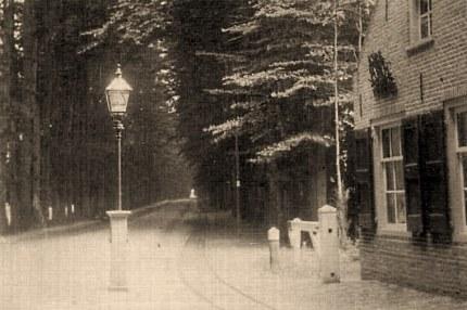 Het tolhuisje te Ellecom, wat in 1903 werd afgebroken