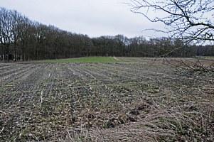 afgegraven en uitgevlakt in het landschap
