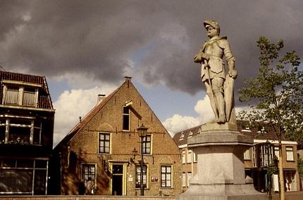 Jan van Schaffelaar sprong van de toren in Barneveld