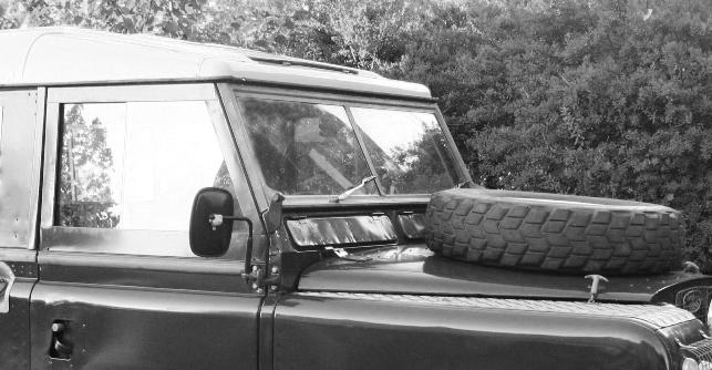 Landrover 88 uit 1965-zijkant