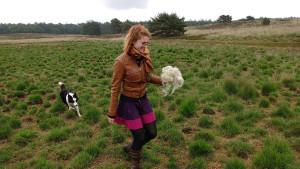 2016-06-14 Chris en Dinja bij schapen Elspeet 26
