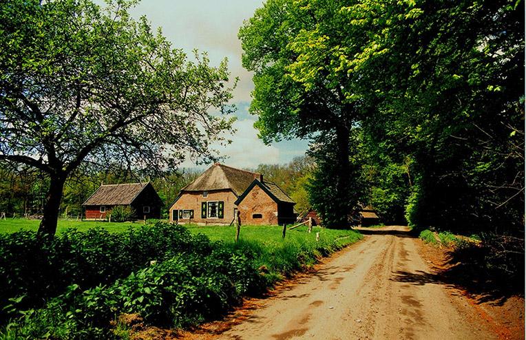 """boerderij-kijko-klOud Veluws boerderijtje """"Kijk over"""" op Staverden - Foto: ©Louis Fraanje"""