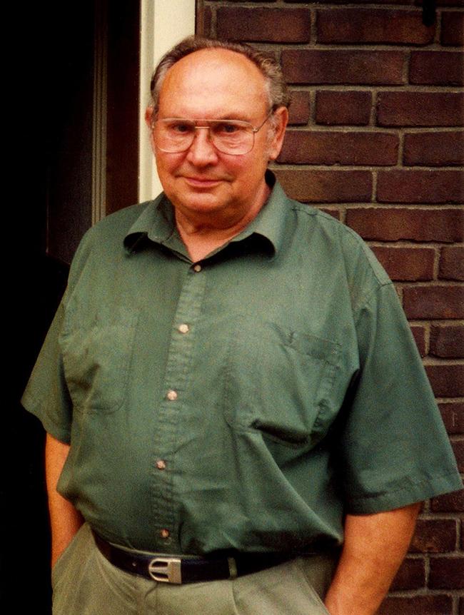joh-h-veenhof-thuis-kopie-Johan G. Veenhof (1933-1999) - Foto: ©Louis Fraanje
