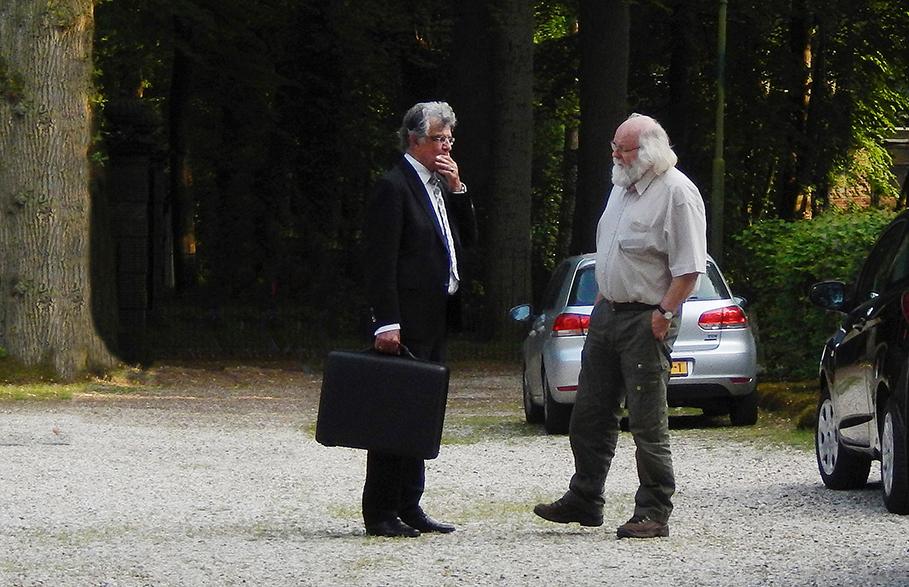 De dominee en de Verhalenverteller in gesprek Lage Vuursche - Foto: ©Fransien Fraanje