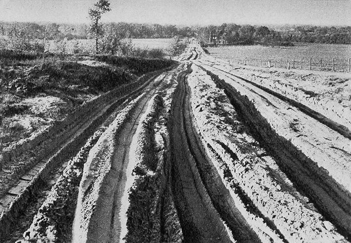 De oude Hessenweg bij Meulunteren, voor de asfaltering in 1971 - Foto: ©Jac. Gazenbeek