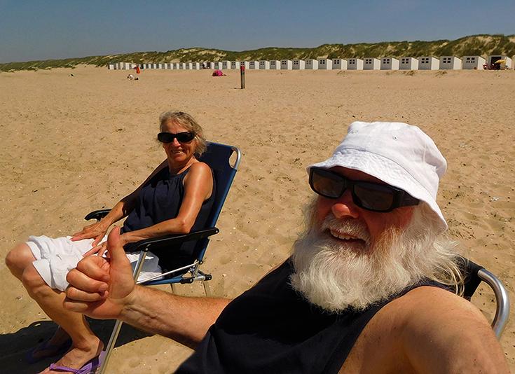 2 foto 2 louis en fransien op strand texel