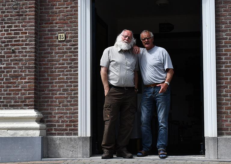 6 foto 6 Noordwaarts deel 44 Gerrit en Louis Kerk Cocksdorp