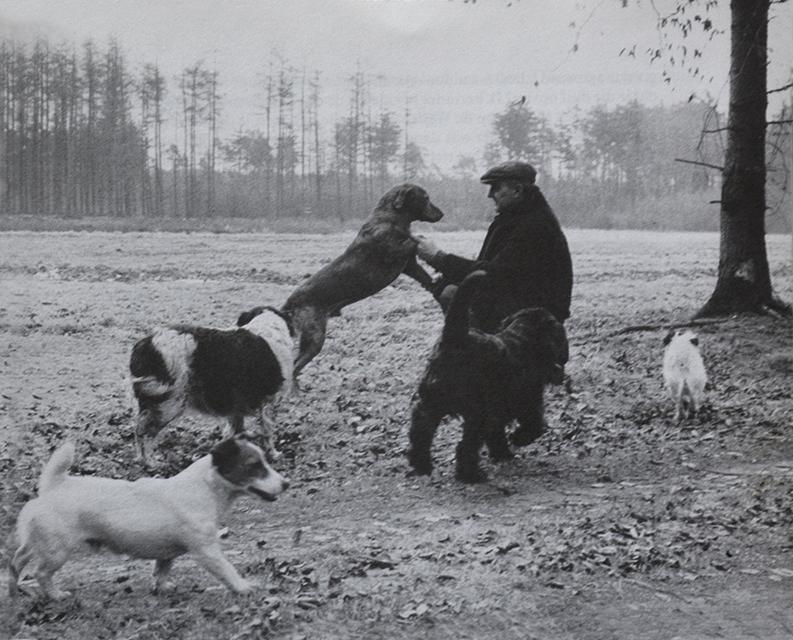 Arnold van der Wal met zijn honden - Foto: © O. Kana