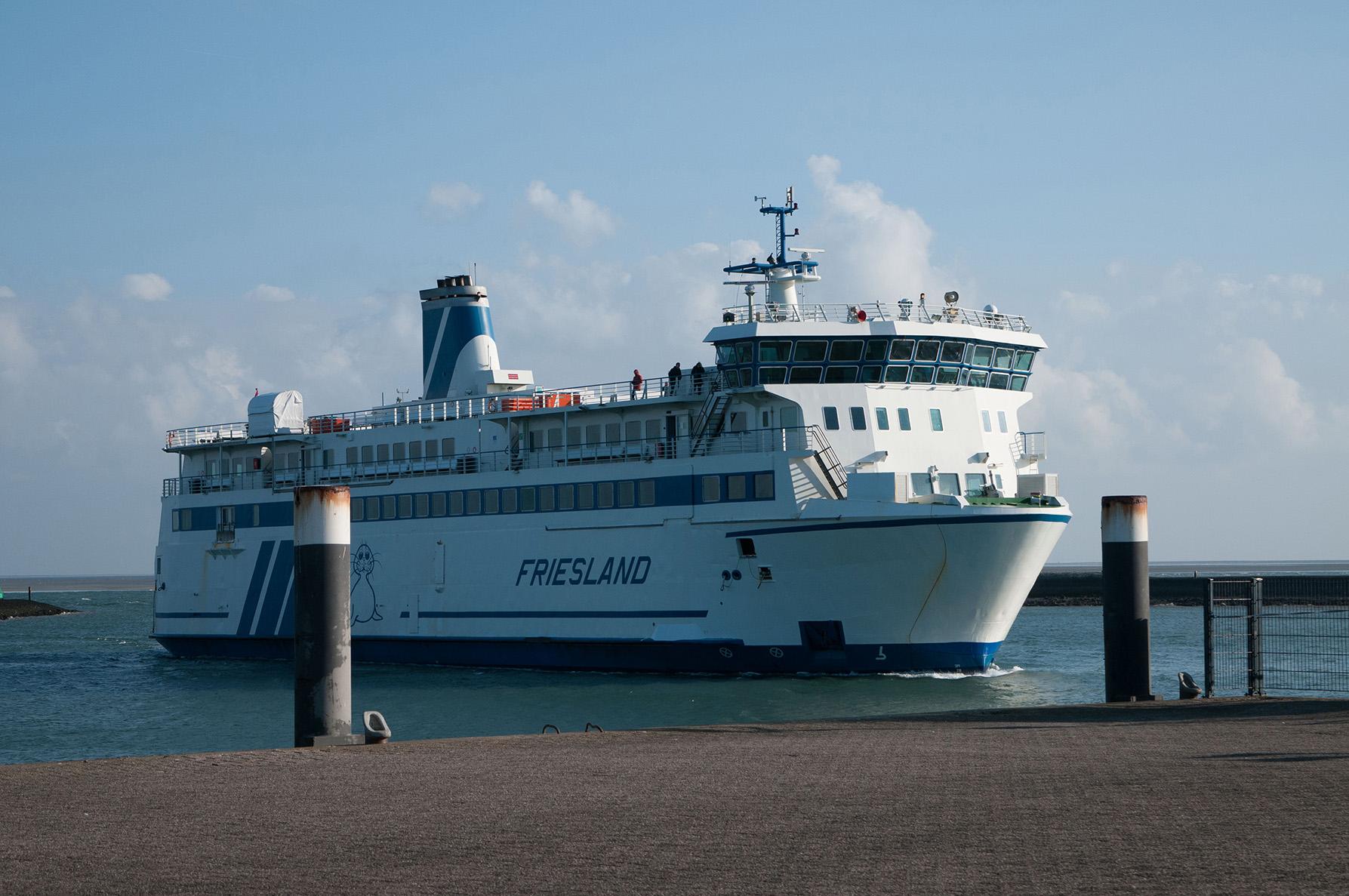 De MS Friesland bij aankomst in de haven van Terschelling - Foto: ©Anja Arentzen