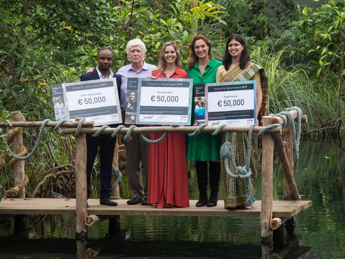 Prijswinnaars Olivier Nsengimana, Fernanda Abra en Divya Karnad - Foto: © Burgers' Zoo
