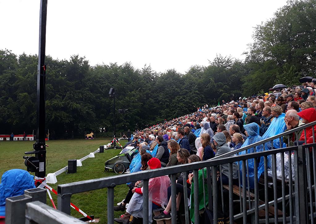 En ondanks de regen hadden we met een 'laaiend' enthousiast publiek - Foto: ©Tineke Roseboom