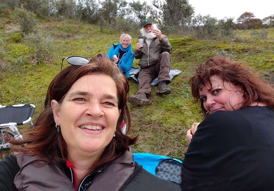 Gezellige picknick - Selfie: Nel Vlieland