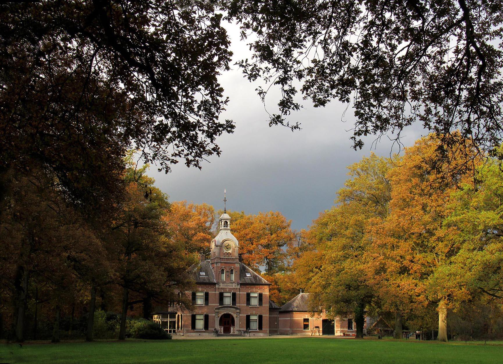 Het Jachthuis op het Leusveld bij Hall op de Veluwe – Foto: ©Louis Fraanje