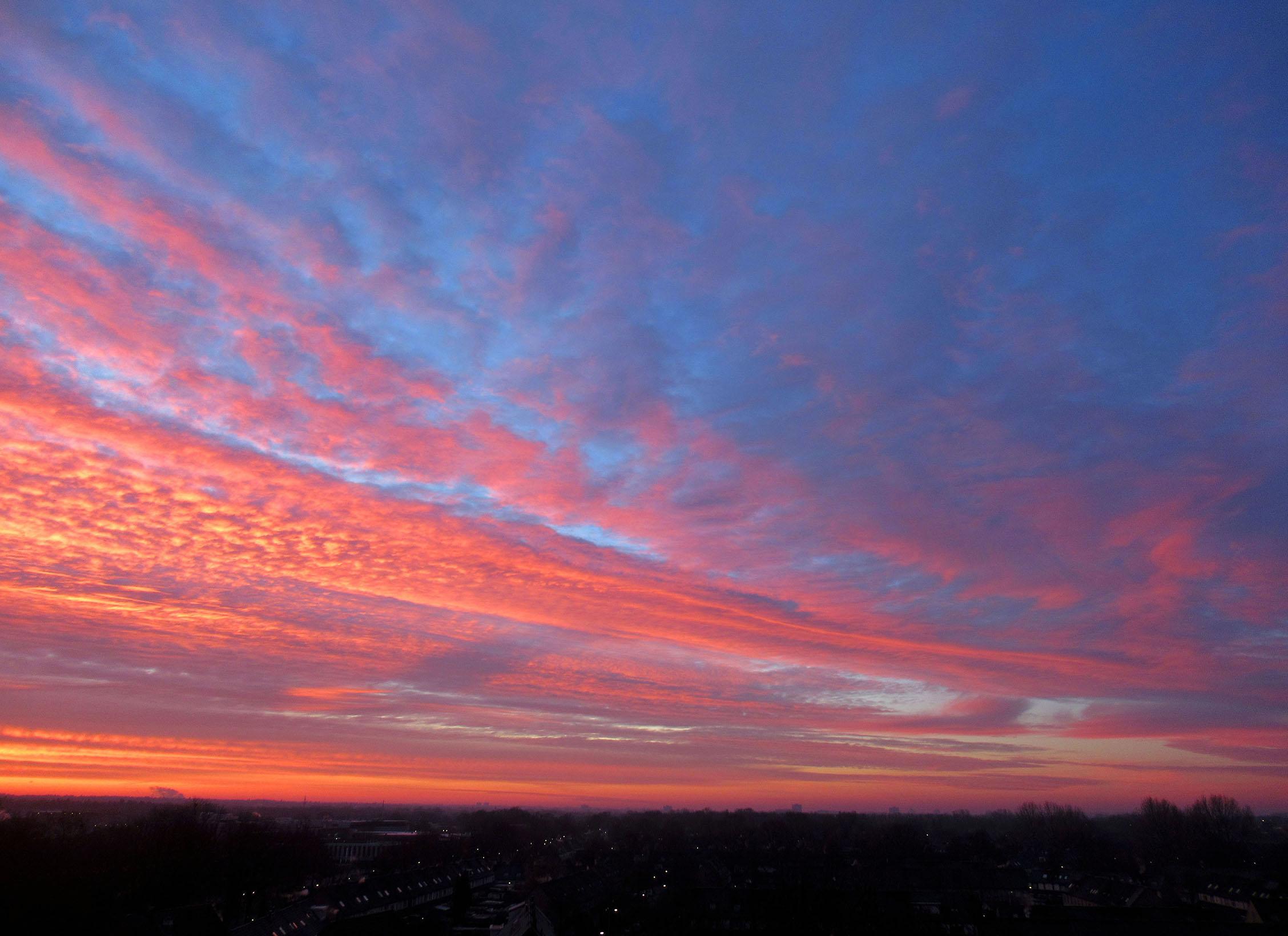 Grandioos was het ochtendgloren boven de Veluwe - Foto: ©Louis Fraanje