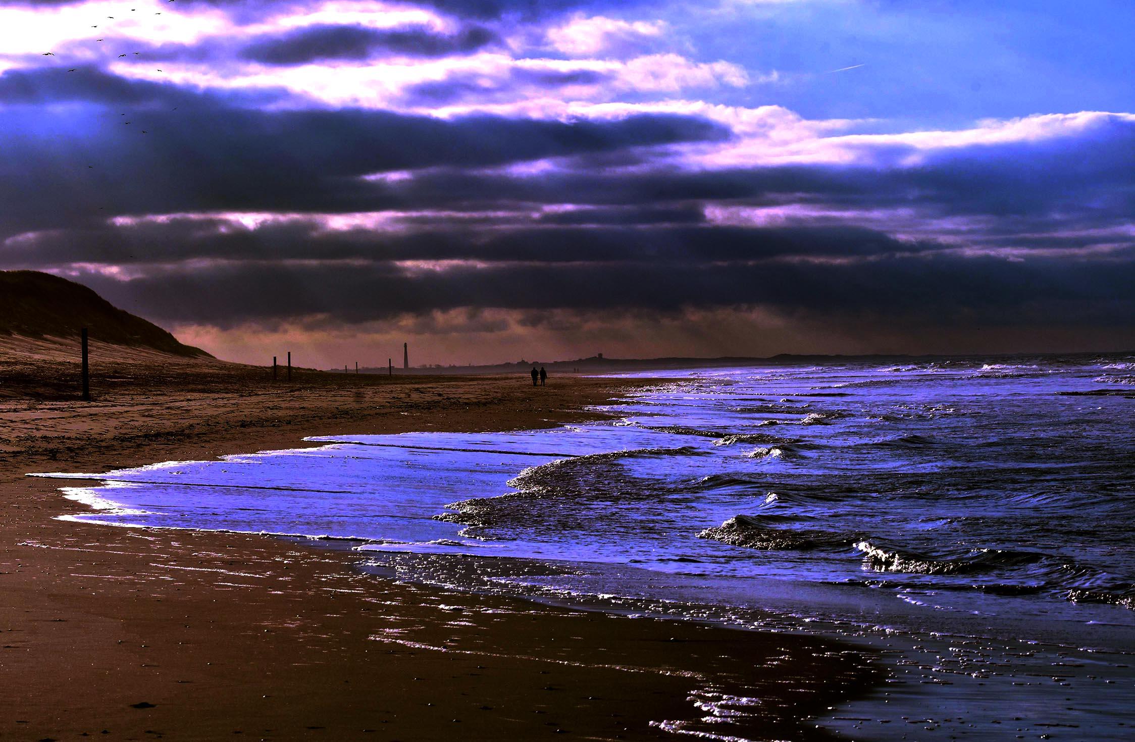Geweldige wolkenpartijen zorgen ervoor dat het licht constant verandert – Foto: ©Louis Fraanje