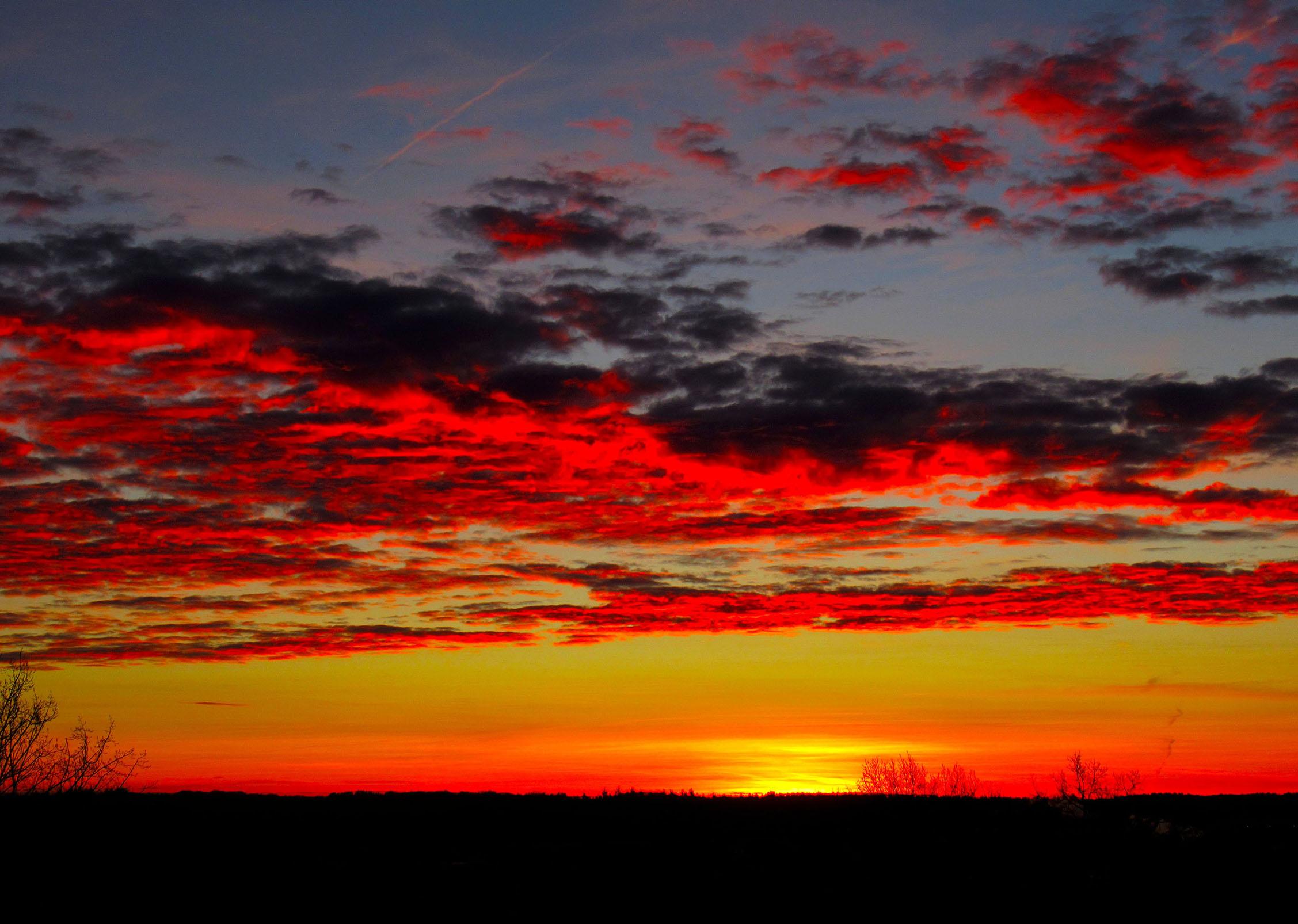 Een schitterende hemel tijdens het ochtendgloren - Foto: ©Louis Fraanje