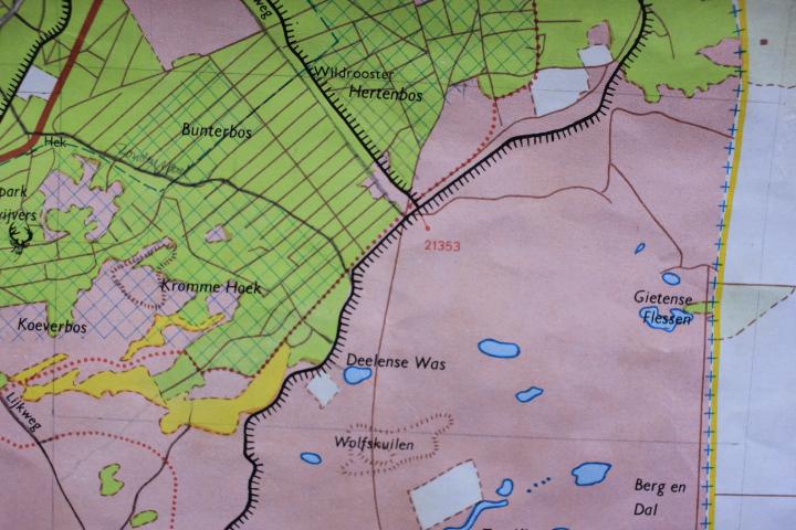 De kaart van De Hoge Veluwe zelf was in 1981 actueler dan de topografische kaart! – foto van kaartuitsnede Hoge-Veluweplattegrond 1981: Yvonne Arentzen