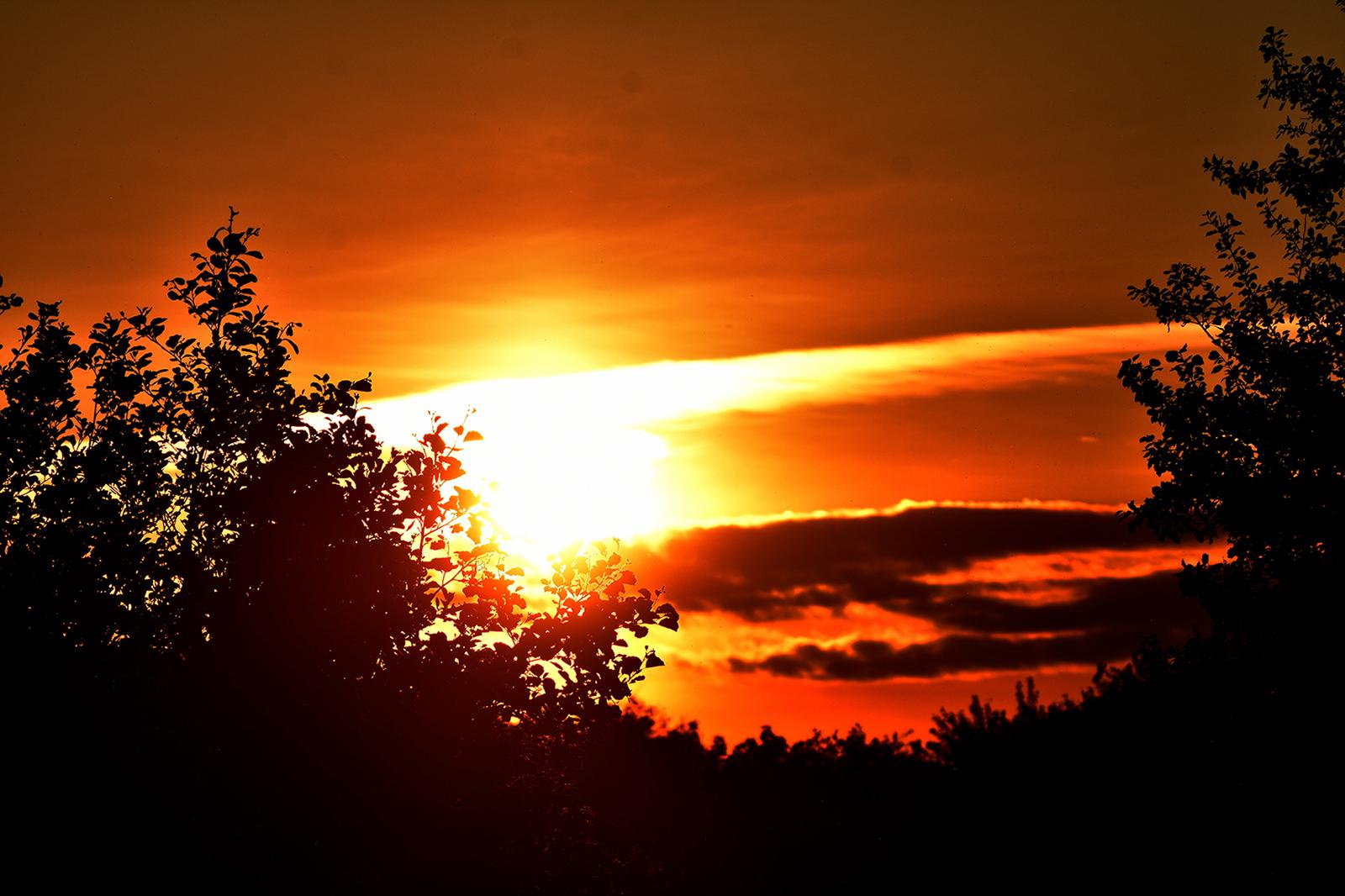 Een prachtige zonsopkomst op Eerste Pinksterdag - Foto: ©Louis Fraanje