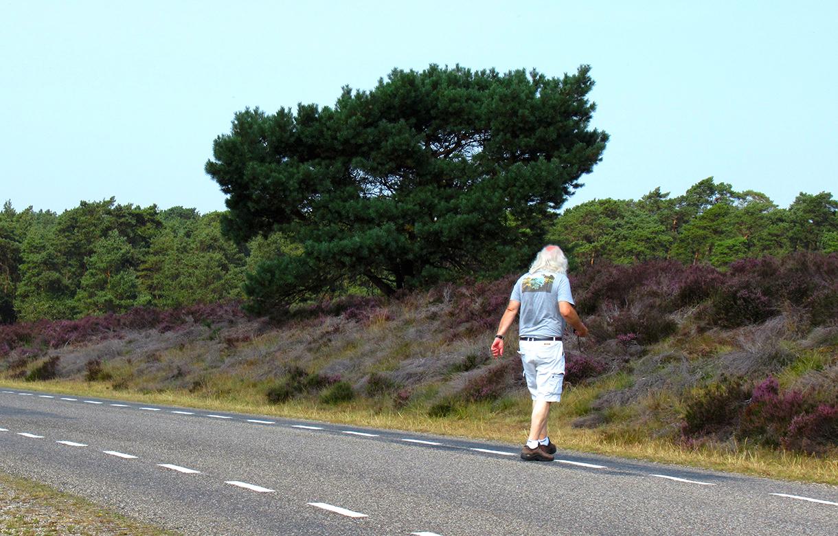 Louis loopt nog even naar de overkant voor een plaatje - Foto: ©Fransien Fraanje
