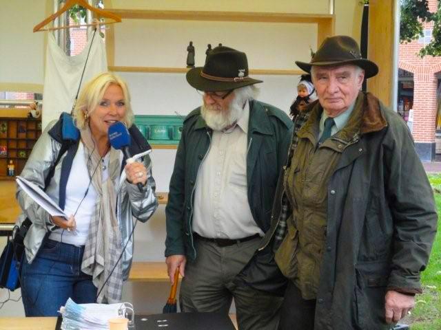 Radiopresentatrice Wypke Nauta interviewt Louis Fraanje en Luc Vos - Foto: Fransien Fraanje