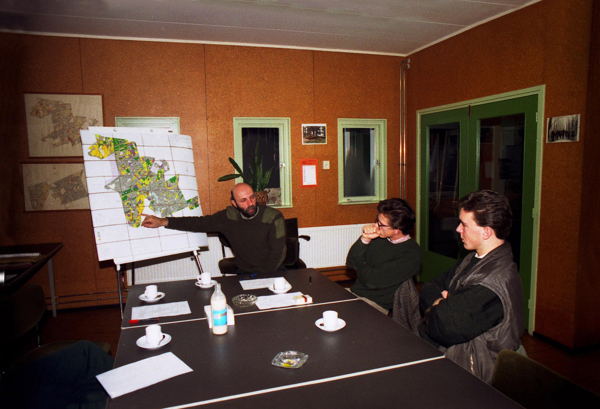 Boswachter Herman Linde geeft uitleg over zijn werkgebied - Foto: ©Louis Fraanje