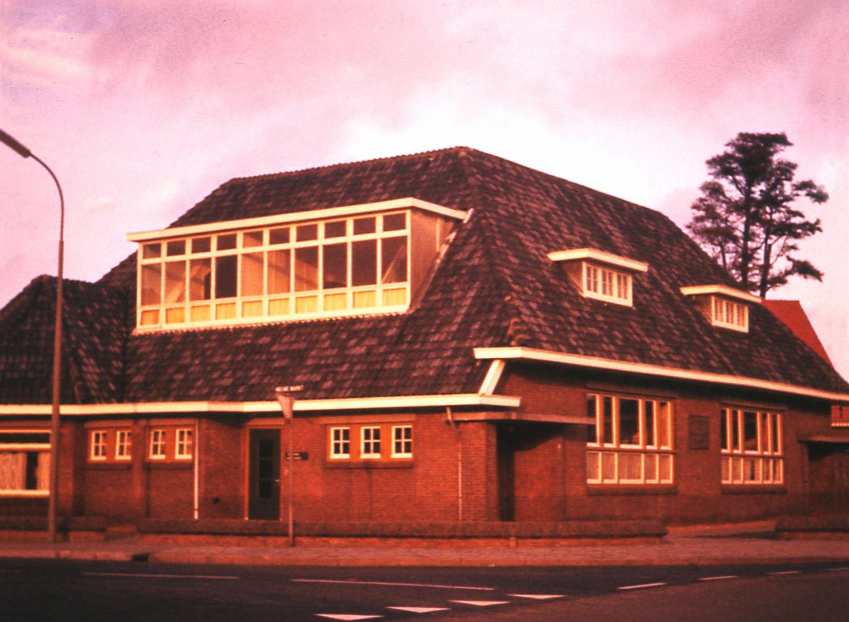 Het oude Rehoboth, voordat het in 1986 werd gesloopt en vervangen door nieuwbouw - Foto: ©Louis Fraanje
