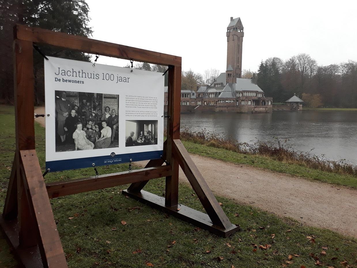 Fototentoonstelling rondom 100 jaar Jachthuis Sint Hubertus - Foto: NP De Hoge Veluwe