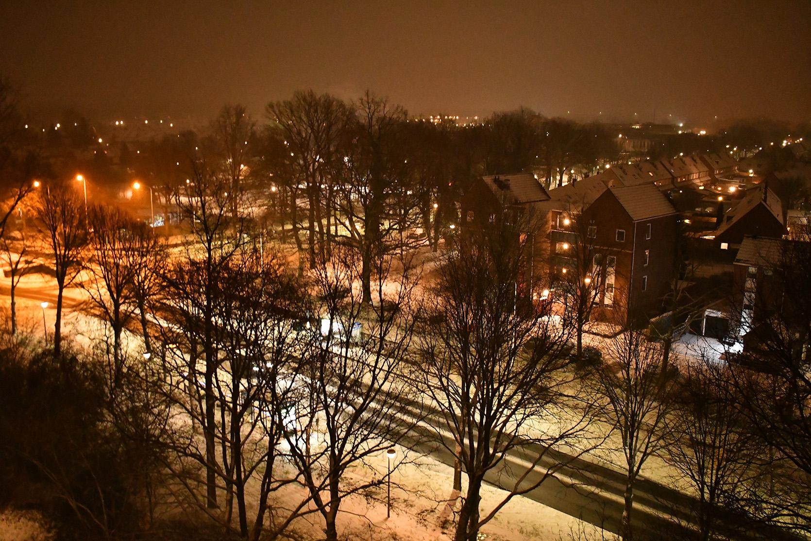 Vanaf het balkon de Jan Th. Tooroplaan in de sneeuw - Foto: ©Louis Fraanje