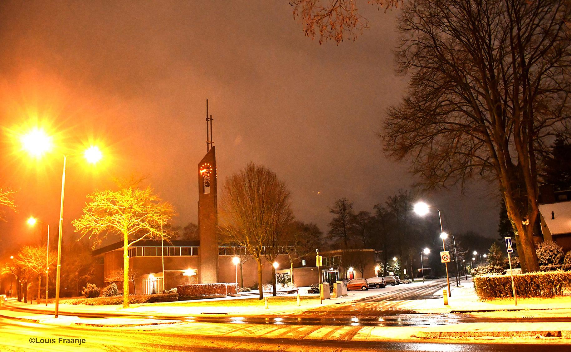 Bethelkerk vanaf het kruispunt Jan Th. Tooroplaan en Diedenweg - Foto: ©Louis Fraanje