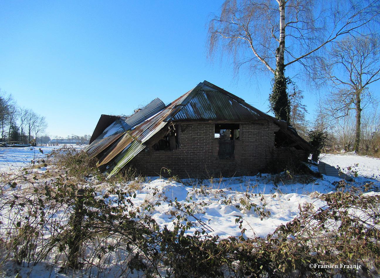 Het vervallen boerderijtje aan de Klomperweg - Foto: ©Fransien Fraanje