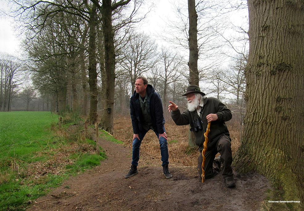 """Jochem van Gelder op speurtocht in de natuur met Louis Fraanje in """"Gelders Grijs"""" - Foto: ©Omroep-Gelderland/Fraanje"""
