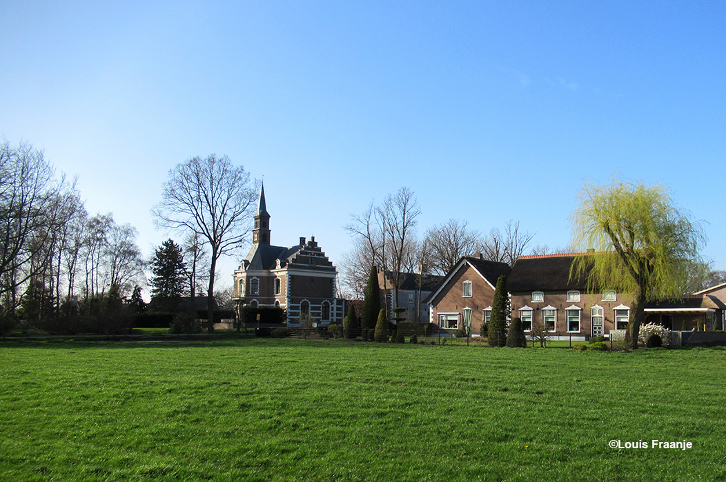 We gaan echt lekker via Lunteren en de Lunterse Kade met de Bruine Horst naar Ederveen - Foto: ©Louis Fraanje