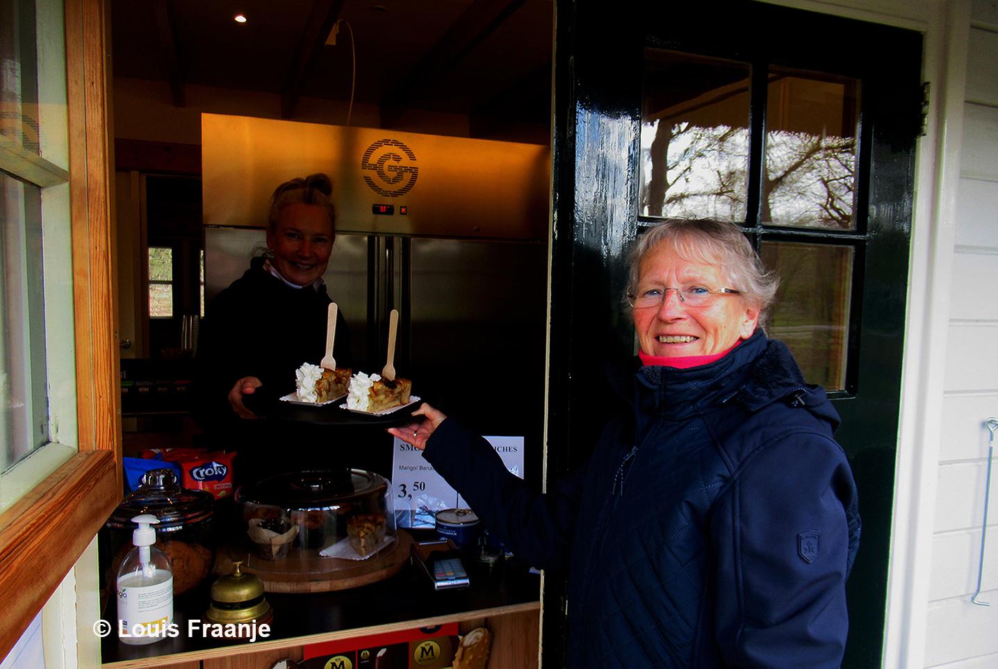 Nou die appeltaart met slagroom zal best smaken - Foto: Foto: ©Louis Fraanje