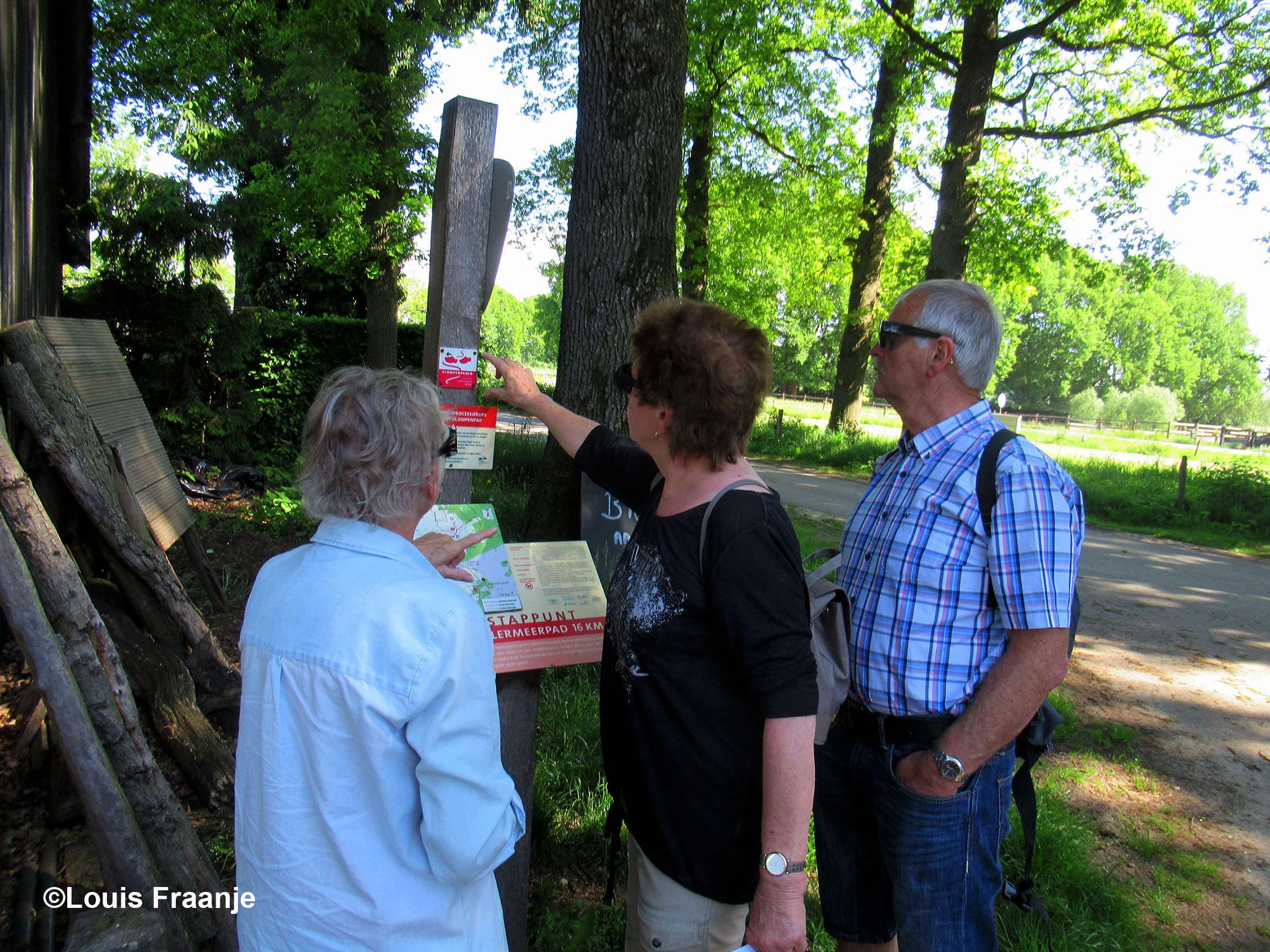 Onderling overleg en uitleg over de route - Foto: ©Louis Fraanje