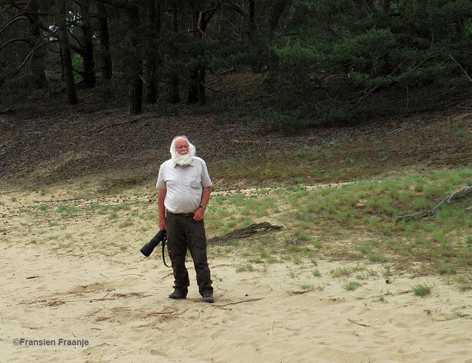 En de fotograaf aan de andere kant in het Veluwse zand - Foto: ©Fransien Fraanje