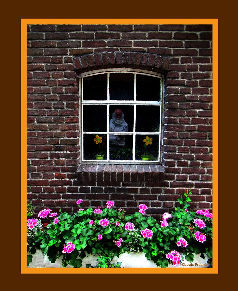 Een kijkje door het raam - Foto: Louis Fraanje