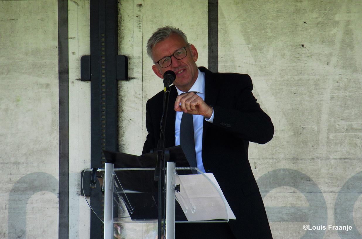 Dominee Messemaker is een boeiend verteller - Foto: ©Louis Fraanje
