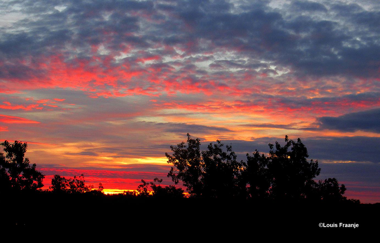 Een kleurrijk ochtendgloren is werkelijk een Hemels schouwspel - Foto: ©Louis Fraanje